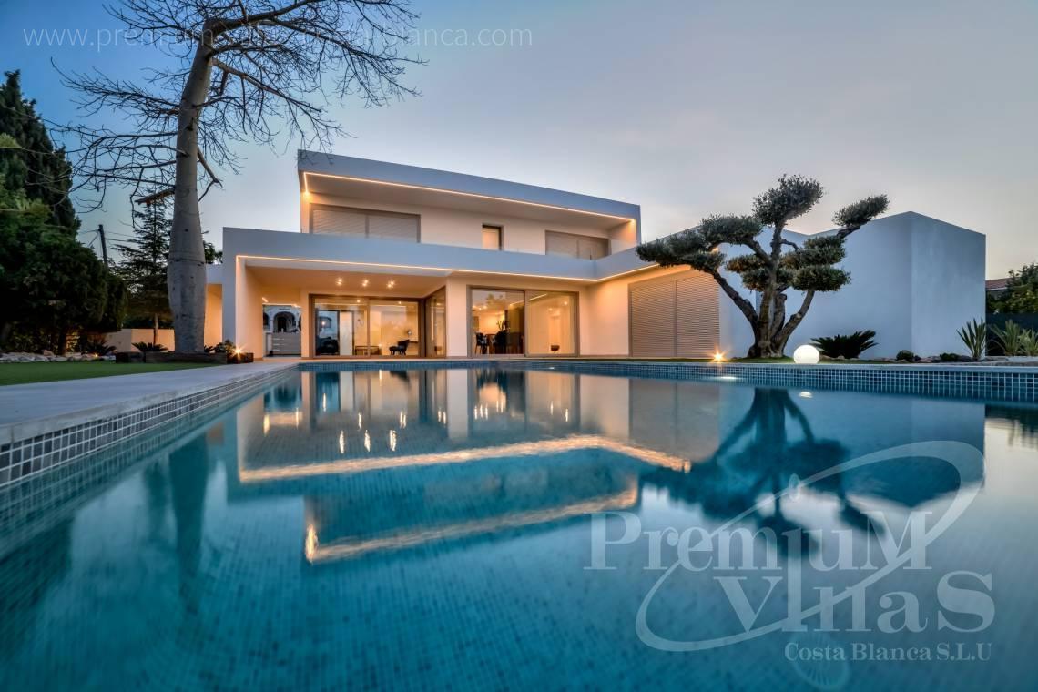 Villa de luxe moderne à Benissa à seulement 1500m de la mer.
