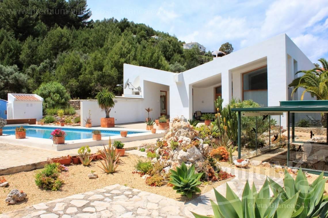 maison moderne benissa costa blanca espagne maison de campagne moderne avec vue panoramique sur. Black Bedroom Furniture Sets. Home Design Ideas